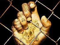 Переодетые полицейскими бандиты выпустили из тюрьмы почти 60