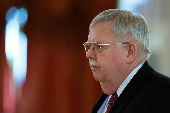 Американский посол в России: приостановка выдачи виз — не месть. Американский посол в России: приостановка выдачи виз — не месть