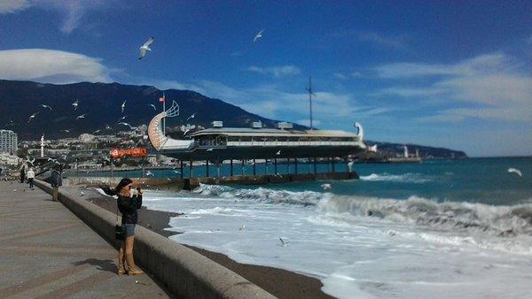 Местные власти в Крыму должны будут за неделю привести пляжи в порядок. 321614.jpeg