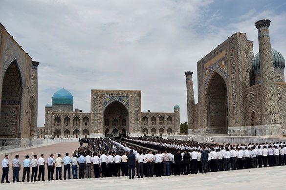Узбекистан простился со своим первым президентом