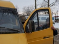 Водитель рязанской маршрутки оголился перед пассажиркой