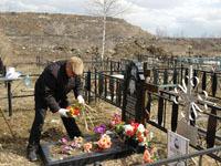Москвичи выстроились в очередь за местом на кладбище. 237615.jpeg