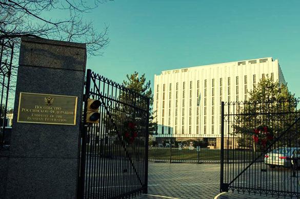 США объяснили маневры своего вертолета у посольства РФ. США объяснили маневры своего вертолета у посольства РФ