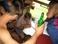 Пассажиров идущего в Крым российского поезда ограбили, усыпив