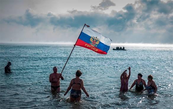 Социологи: Большинство крымчан довольны жизнью в России. 319626.jpeg