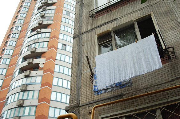 Путин призвал соблюдать права людей при расселении из пятиэтажек