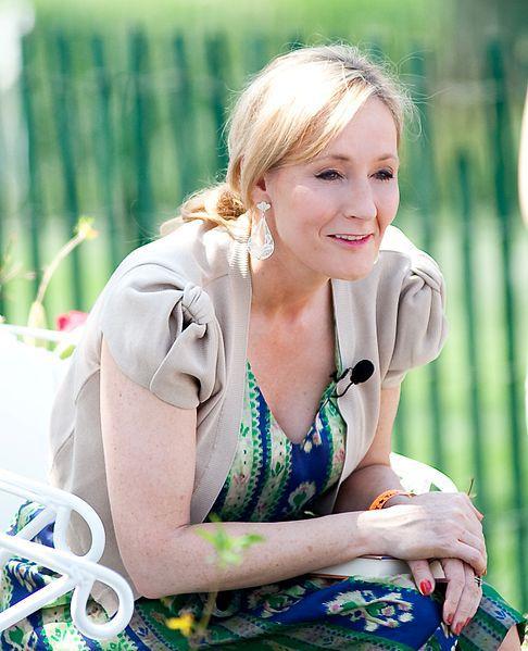 Джоан Роулинг приступила кработе над 3-й частью «Фантастических тварей»