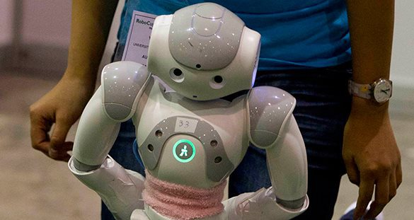 Роботов научили адаптироваться к травмам.