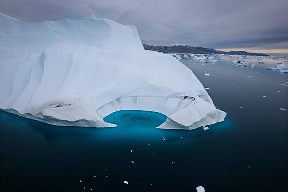 Уберегов Антарктиды зафиксировано рождение гигантского айсберга