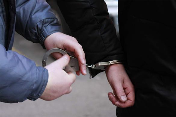 Житель Лондона напал на полицейских с метровым ножом. Житель Лондона напал на полицейских с метровым ножом