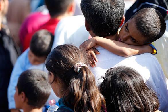 Опасные связи: Как накажут волонтеров за секс c мигрантами?