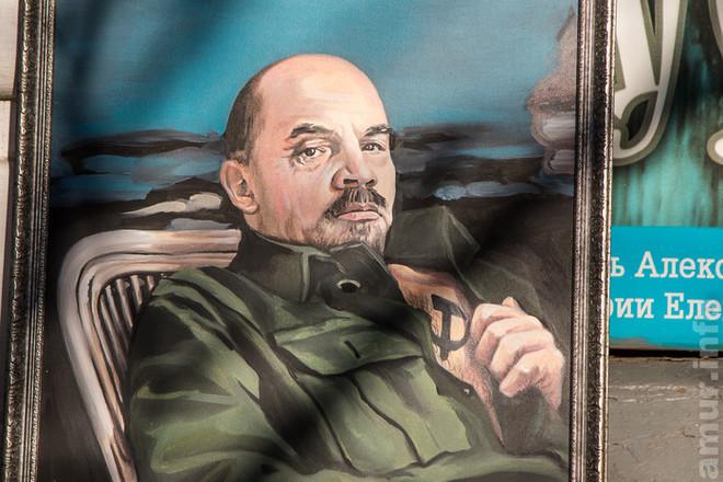Портреты Ленина и Сталина в татуировках показали на выставке в Благовещенске. Портреты Ленина и Сталина в татуировках показали на выставке в Б