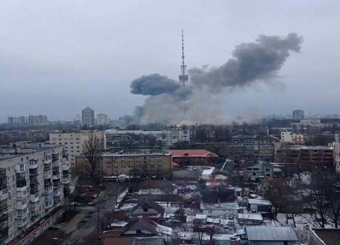 Снегопады оставили без света более 70 тысяч чешских семей