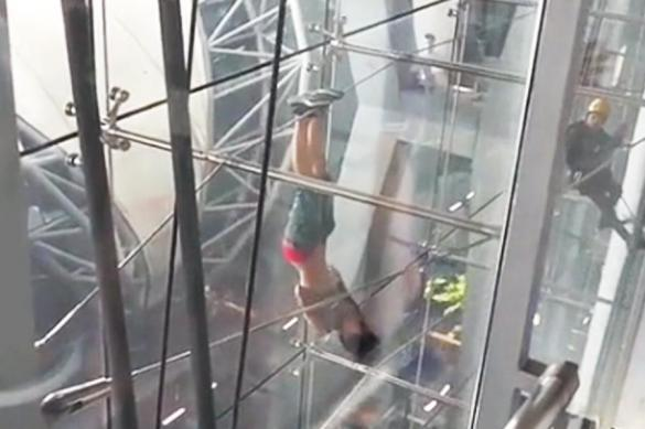 Гимнастка с татуировкой  про Сочи-2014 сбежала от полиции. 380637.jpeg