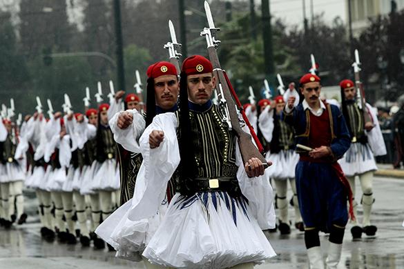 Греция отметила День независимости военным парадом. военный парад, греция, солдаты