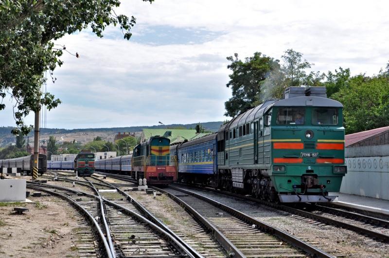 ВУкраинском государстве поезда встали из-за перегрева путей