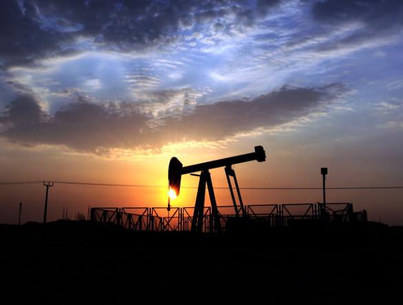 Нефть пытается расти в цене. Нефть слегка увеличилась в цене