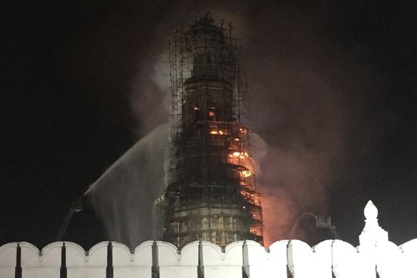 Пожар на колокольне Новодевичьего монастыря  полностью потушен. Пожар на колокольне Новодевичьего монастыря