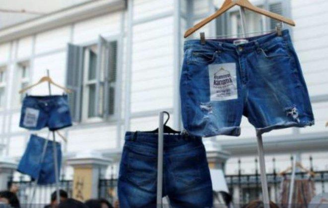 Турецкие женщины отказались носить традиционную одежду. Турецкие женщины отказались носить традиционную одежду