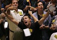 Бизнес-сводка: доллар упал на 12 копеек, рынок акций подрос. business