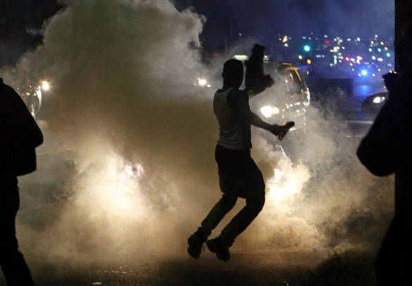 Беспорядки в американском Шарлотсвилле привели к гибели людей. 1_Беспорядки в американском Шарлотсвилле привели к гибели людей