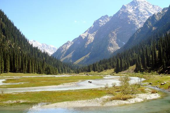 Россия подарит Киргизии 30 млн долларов.