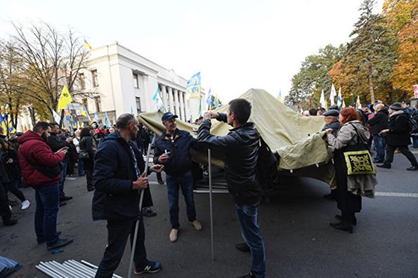 Новый Майдан в Киеве: Порошенко затихарился. Новый Майдан в Киеве: Порошенко затихарился
