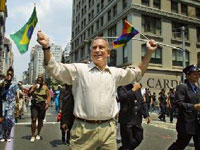 Сотни калифорнийцев требуют разрешить однополые браки