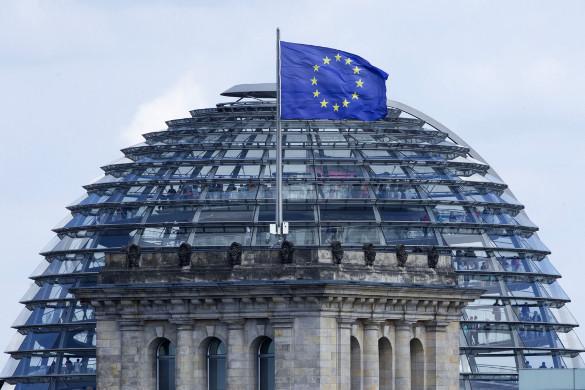 Штайнмайер о Примакове: Он был знаковой фигурой российской политики. купол и флаг ЕС