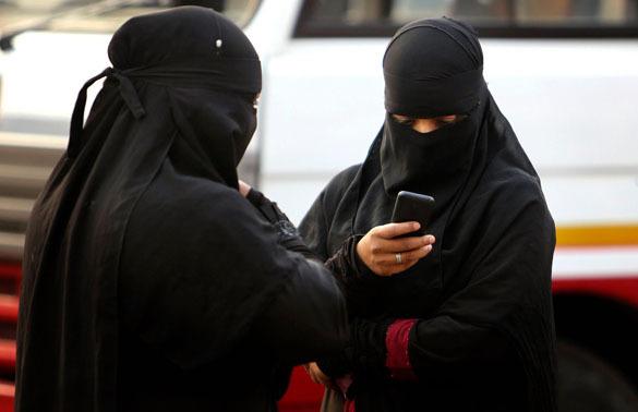 Индийцы теперь смогутсвободнее общаться в интернете. в Индии, мобильная связь