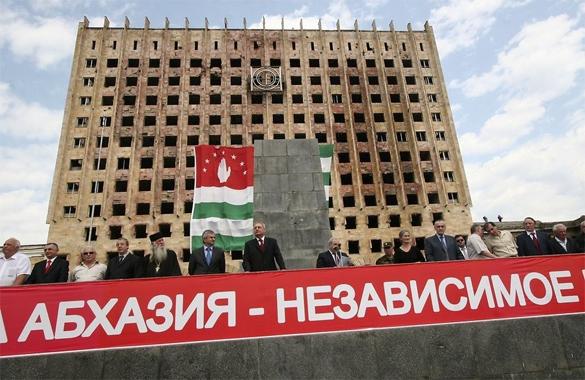 Песков: Вопрос о вхождении Абхазии в состав России не ставится. 292655.jpeg