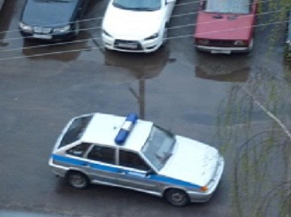 Тронувшийся БЕЛАЗ раздавил иномарку в лепешку. БЕЛАЗ разбил Тойоту вдребезги