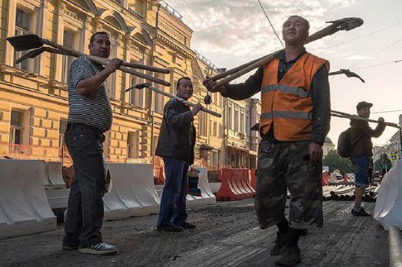 Сотни рабочих взбунтовались в Тобольске из-за зарплаты. 389656.jpeg