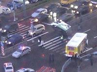 Грузовик перевернулся и сбил пешеходов в Петербурге. 246657.jpeg