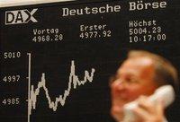 Бизнес-сводка: доллар вырос на 18 копеек, рынок акций снижается. business