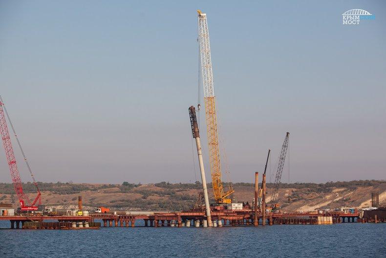 В районе Керченского моста на трое суток закрыли судоходство. В районе Керченского моста на трое суток закрыли судоходство