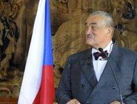Чешский министр заснул во время пресс-конференции. minister
