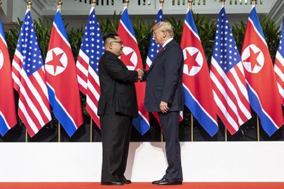 """Трамп в начале переговоров назвал Ким Чен Ына """"великим лидером"""". 399662.jpeg"""