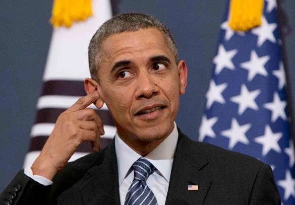 Алтай решил помиловать Обаму на Масленицу. Барак Обама на фоне флага США