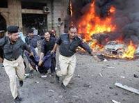 Смертник на рикше взорвал троих человек в Пакистане