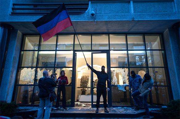 Порошенко предложил Донбассу получить особый статус по