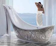 Итальянцы сконструировали ванну в виде женской обуви