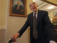 Старейший мужчина планеты умер в возрасте 114 лет. oldest