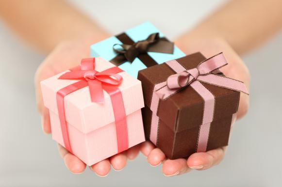 Женщины тратят на 45% больше на подарки к 23 февраля, чем в обычные дни. Женщины тратят на 45проц. больше на подарки к 23 февраля, чем в обыч