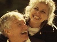 Чем старше человек, тем он счастливее