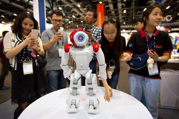 Китай показывает свою кибермощь США и всему миру на Global Mobile Internet Conference-2015. 318674.jpeg