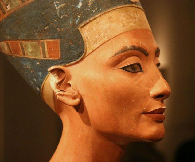 Захоронение Нефертити хотят найти с помощью инфракрасной томографии. Захоронение Нефертити хотят найти с помощью инфракрасной томогра