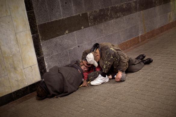 Подавать милостыню - страшный грех. Нищие, попрашайки, профессиональные нищие
