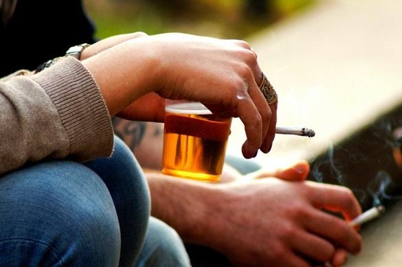 Выяснено, как сигареты и пластиковая посуда влияют на вес человека. Выяснено, как сигареты и пластиковая посуда влияют на вес челове