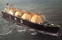 На Сахалин прибыл первый японский корабль-газовоз